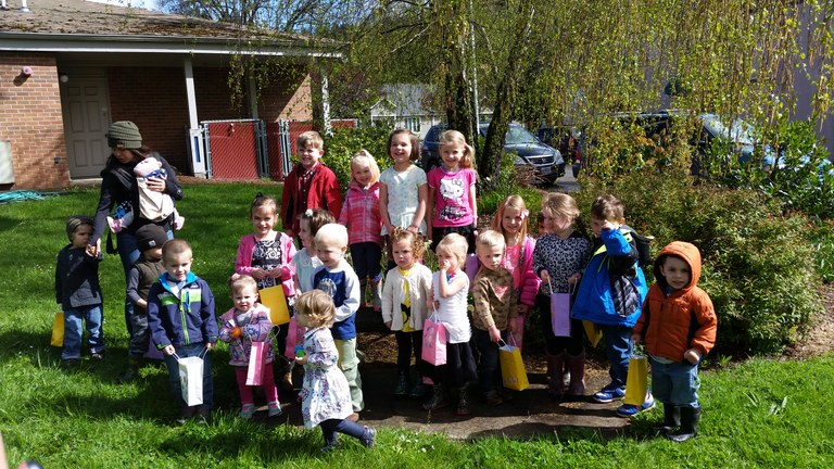 2017 0418 Egg Hunt 005 Group.jpg